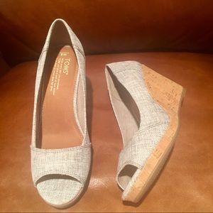 New Toms Women's Stella Peep Toe Wedge Heels. SZ 8